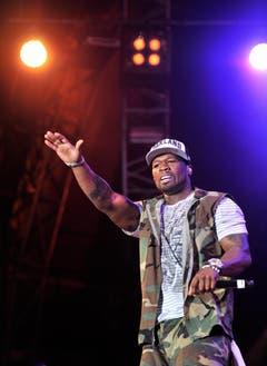 50 Cent heizt die Stimmung an. (Bild: Reto Martin)
