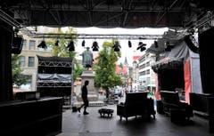 Auch in der Innenstadt stehen Bühnen für die Musiker. (Bild: Hanspeter Schiess)