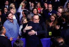 Es ist ein emotionaler Abschied, aber einer ohne Wehmut. Obama preist seine Mitarbeiter, Vizepräsident Joe Biden, seinen Freund und Weggefährten, aber auch seinen persönlichen Sekretär Robert Gibbs. (Bild: Pablo Martinez Monsivais / AP)