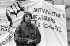 Einsatz für die Schwachen: Dimitri bei einer Anti-Apartheids-Demonstration 1988 in Zürich. (Bild: STR (KEYSTONE))