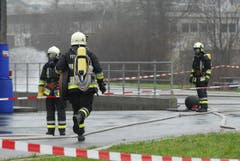 Zum Einsatz kamen die Feuerwehr Wängi, die Stützpunktfeuerwehr Münchwilen sowie die Chemiewehr Weinfelden. (Bild: Mario Testa)