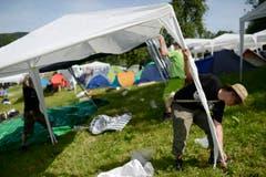 Partyzelte sind seit einigen Jahren der grosse Renner am OpenAir. (Bild: Luca Linder)