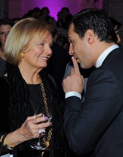 Ruth Maria Kubitschek im Gespräch mit Erol Sander beim Berliner Filmfestival 2011. (Bild: Keystone)