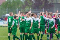 Das Heimteam freut sich über den Sieg. (Bild: Andrea Stalder)