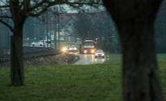 Langsam bewegt sich der Tross mit Polizeieskorte zwischen Salmsach und Amriswil. (Bild: Reto Martin)