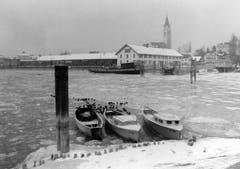 Eisschollen im Hafen von Romanshorn. (Bild: Keystone)
