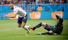 Karim Benzema hat Diego Benaglio bezwungen. (Bild: Keystone)