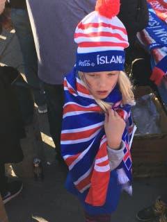 Von Kopf bis Fuss auf Island eingestellt. (Bild: Marion Loher)