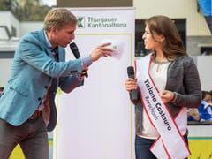 Moderator Reto Scherrer und Tiziana Castauro. (Bild: Hanspeter Schhiess)