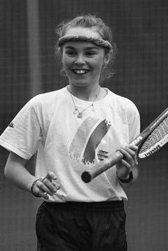 Martin Hingis im Februar 1991 in Trübbach. Bereits als Zweijährige soll sie mit Tennis begonnen haben, mit vier bestritt sie ihr erstes Turnier. (Bild: Keystone)