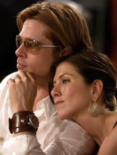 Sieben Jahre waren Jennifer Aniston und Brad Pitt ein Paar, fünf Jahre davon verheiratet. Dann tauchte Angelina Jolie auf der Bildfläche auf. (Bild: Keystone)