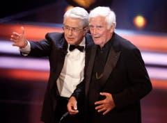 Zwei Giganten des Showbusiness: Blacky Fuchsberger mit Frank Elstner. (Bild: Keystone)