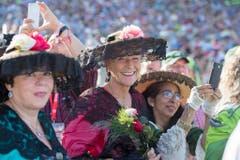 Schwingerfans geniessen das Eidgenoessischen Schwing- und Aelplerfest (ESAF) Estavayer 2016 in Payerne, am Samstag, 26. August 2016. (KEYSTONE/Urs Flueeler) (Bild: Keystone)