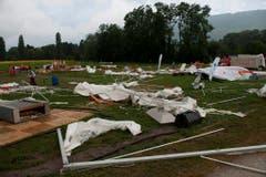Die Schäden am Material sind beträchtlich - ganz abgesehen von den Verletzten, die der Sturm forderte. (Bild: Keystone)