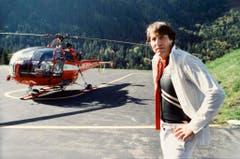 Der Schlagerstar spielte im Jahr 1983 für eine TV-Produktion mit seinem Plexiglas-Flügel auf dem Jungfraujoch. Aufnahme nach der Landung mit dem Helikopter. (Bild: Keystone)