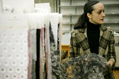 Im Jahr 2009 war Modeschöpferin Isabel Toledo bei Forster Rohner auf Besuch. (Bild: Reto Martin)