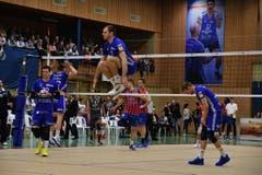 Sébastien Steigmeier beweist seine Sprungkraft. (Bild: Manuel Nagel)