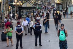 Heightened security a day after a van attack in Barcelona (Bild: Keystone)