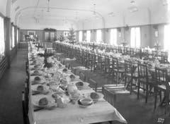 Der obere Kantinensaal ist am 21. Dezember 1928 geschmückt für die Weihnachtsfeier. (Bild: Bühler AG)