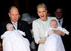 Freudentag in Monaco: Die Zwillinge Jacques und Gabriella wurden getauft. (Bild: Keystone)