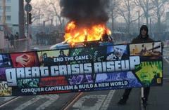 Die Europäische Zentralbank soll am 18. März mit einem Festakt eröffnet werden. Die Blockupy hatte schon seit längerem angekündigt, die Feier mit Blockaden verhindern zu wollen. (Bild: Keystone)