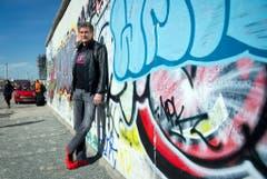 David Hasselhoff an der Berliner Mauer. (Bild: Keystone)