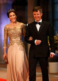 Elegant: Dänemarks Kronprinz Frederik mit Ehefrau Mary. (Bild: Keystone)