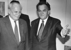 Der ungarische Staatspräsident Arpad Goencz trifft Bundesrat Otto Stich im Februar 1994. (Bild: Keystone)
