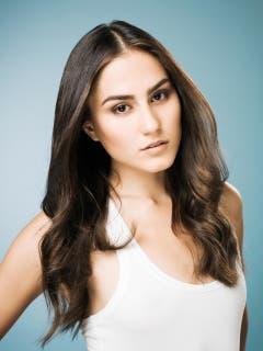 Sindi Arifi (21), Fachhochschülerin für soziale Arbeit und Model, Martigny (Wallis) (Bild: Thomas Buchwalder)