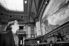 Brunner besichtigt auf einem Rundgang durch das Bundeshaus seinen zukünftigen Wirkungsort, aufgenommen am 15. Januar 1996. (Bild: Keystone)