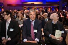 Josef Ackermann (Mitte), Verwaltungsratspräsident der Zurich Insurance Group. (Bild: Urs Bucher)