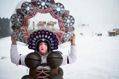 Voilà – Der Schöne Silvesterchlaus ist bereit. (Bild: Keystone / Gian Ehrenzeller)