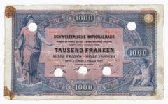 Von der ersten Serie gab es 50er-, 100er-, 500er- und 1000er-Noten. (Bild: Archiv der SNB)