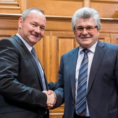 Die neugewählten Ratspräsidenten: Ivo Bischofberger (CVP/AI, Ständerat, rechts) und Jürg Stahl (SVP/ZH, Nationalrat). (Bild: Keystone)