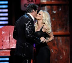 """Ex-""""Baywatch""""-Kollegen: Pamela Anderson und David Hasselhoff. (Bild: Keystone)"""