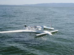 Das Flugzeug wurde teils beschädigt, ging aber nicht unter. (Bild: Seerettungsdienst Rorschach)
