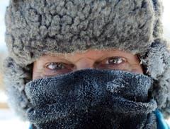 Täglich läuft James Schlafer aus Minneapolis vier bis fünf Meilen. Bei diesen Temperaturen natürlich in passender Kleidung. (Bild: Keystone)