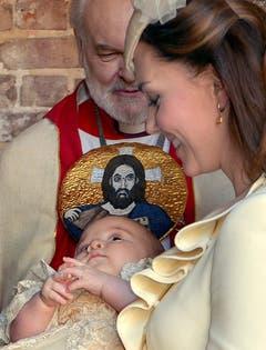 Der Bischof von London, Richard Chartres, bei der Taufe. (Bild: Keystone)