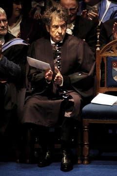 2004 erhält Dylan von der schottischen Universität St.Andrews den Ehrendoktortitel für Musik. (Bild: Keystone)