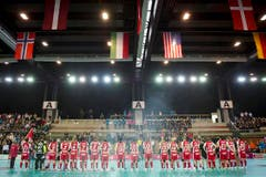 Die Schweizerinnen bei der Nationalhymne. (Bild: Keystone/Urs Bucher)