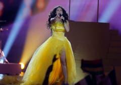 Ihr Kleid gab zu reden: Miruna Manescu, Sängerin der Schweizer Band Timebelle. (Bild: Keystone)