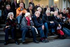 Besucherinnen und Besucher der Eröffnungsfeier. (Bild: Benjamin Manser)