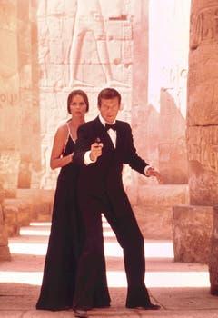 Auf Ganovenjagd in Ägypten: Barbara Bach als KGB-Agentin Anya Amasova in «The Spy Who Loved Me» (1977). (Bild: Keystone)