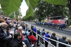Parade der Musiker an der Rorschacherstrasse. (Bild: Hanspeter Schiess)