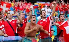 Alle Unterstützung der Schweizer Fans nützte nichts: Die Nati ging unter. (Bild: Keystone)