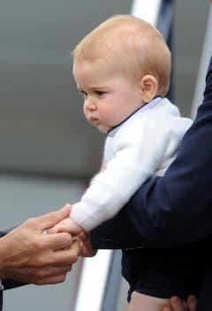 Vor dem Abflug nach Sydney verabschiedet sich Prinz George von den Neuseeländern. (Bild: Keystone)