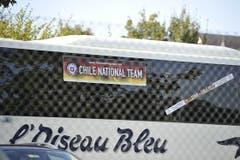 Der Teambus, der die Mannschaft jeweils vom Hotel Einstein nach Abtwil und zurück bringt. (Bild: Hanspeter Schiess)