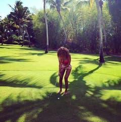 Im April 2014 postete Beyoncé dieses Foto auf ihrem Instagram-Account. Es zeigt die Sängerin im Urlaub in der Dominikanischen Republik. Nun schauen Sie sich mal ihren rechten Oberschenkel an. (Bild: Instagram)