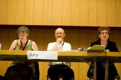Mit strengem Blick und geschultem Gehör beurteilte die Jury die Vorträge. (Bild: Michel Canonica)