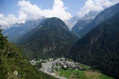 SWITZERLAND MUDSLIDE (Bild: GIAN EHRENZELLER (AP Keystone))